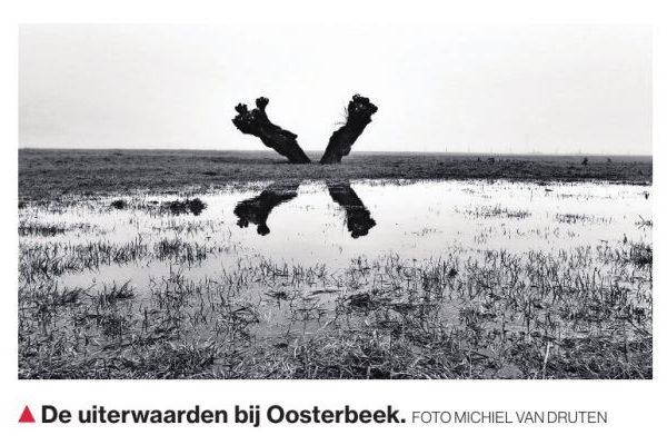 Hoogwater foto in De Gelderlander